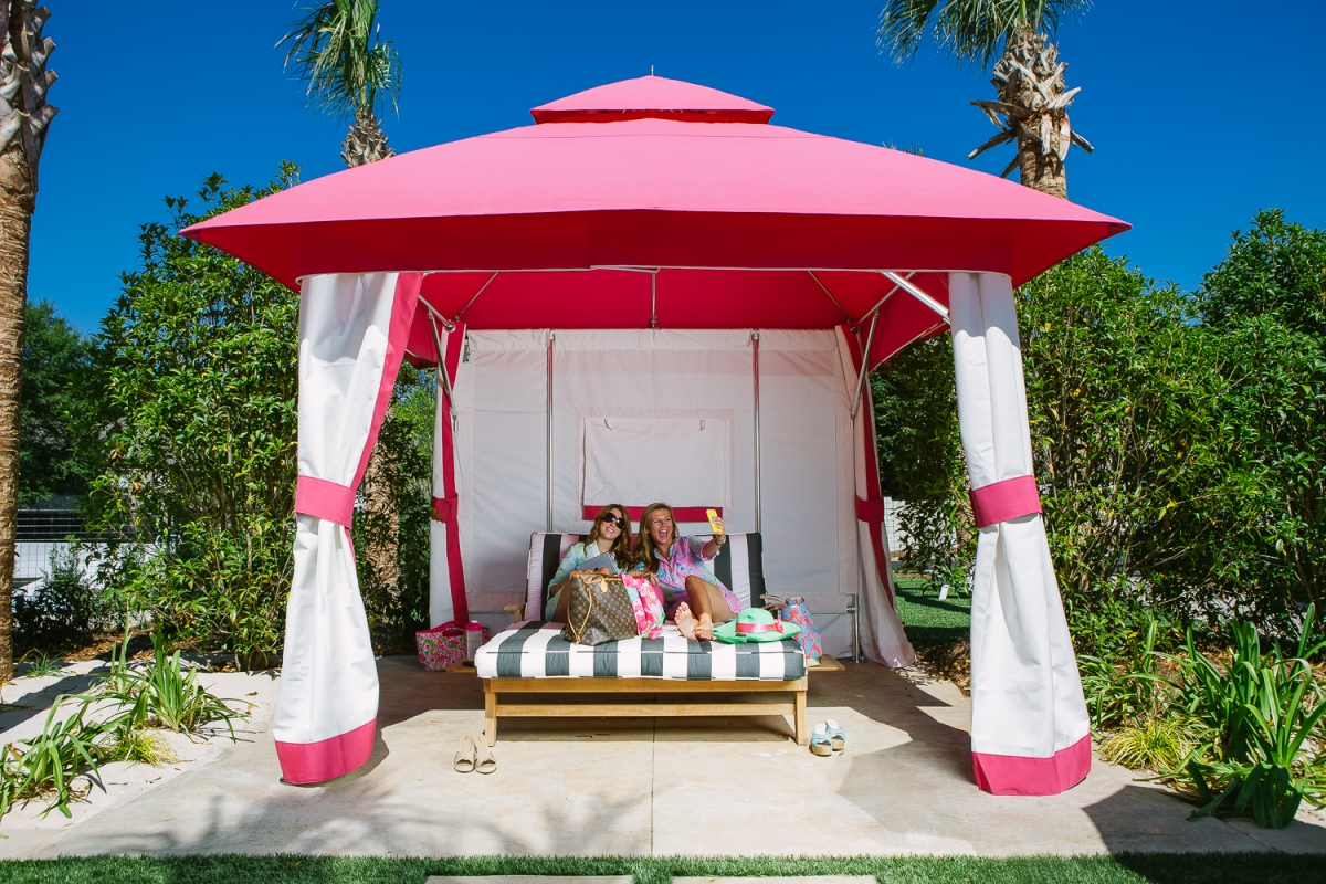 ThePalmsApartments_OutdoorCabanas
